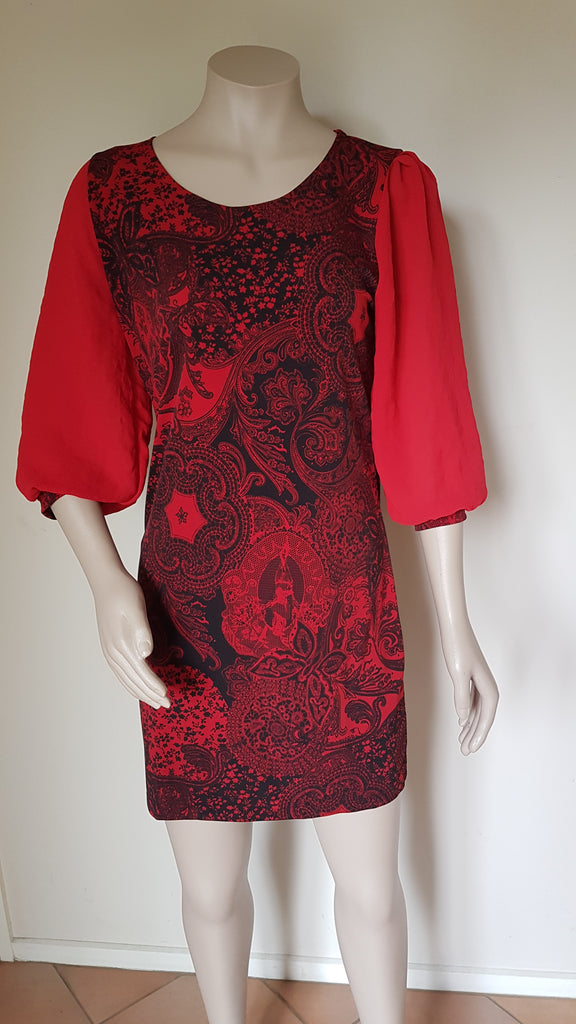 Red Print Knit  Dress with sheer sleeve