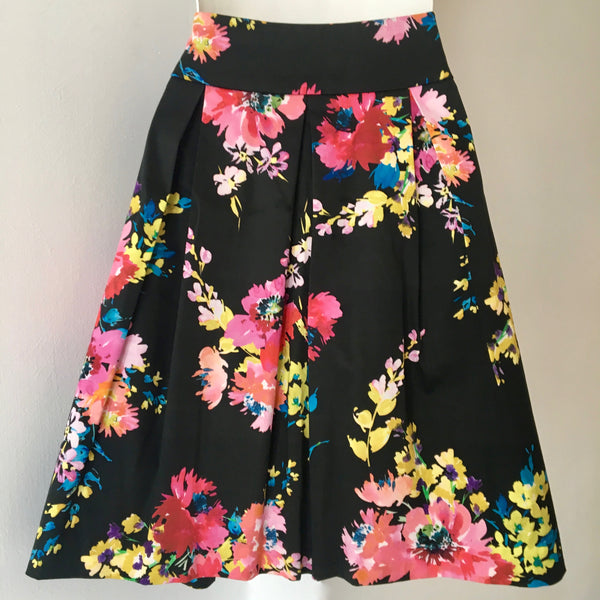 REVIEW Floral Skirt Size 6