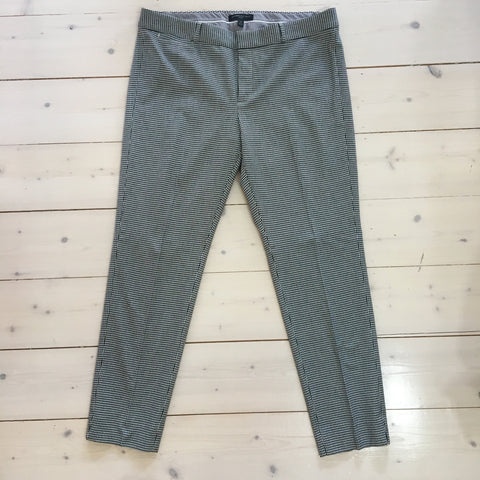 Banana Republic Dog Tooth Capri Pants Size 12