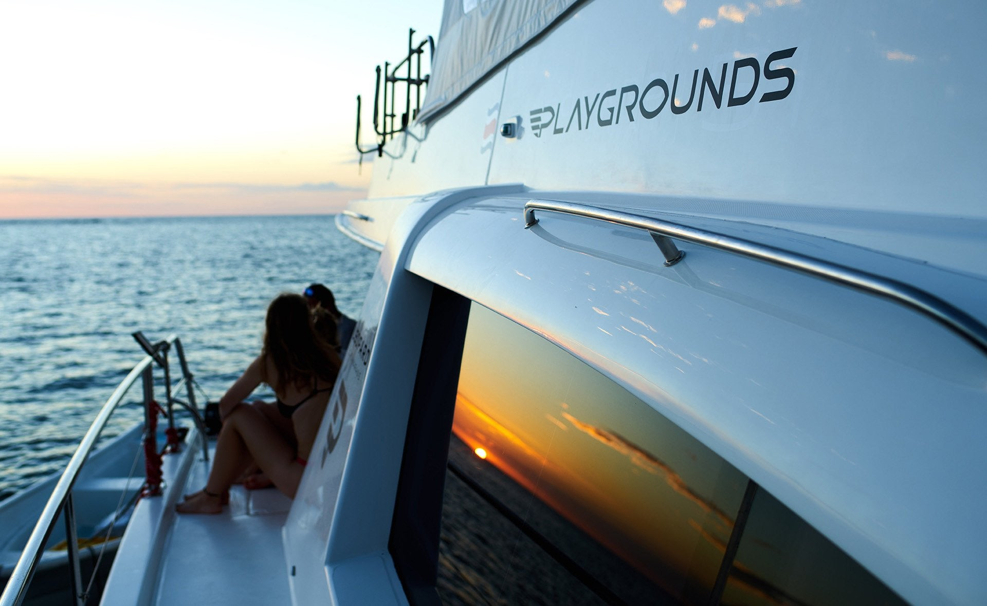 Boat Description - PLAYGROUNDS Costa Rica Yacht Rental, Luxury Ocean Adventures