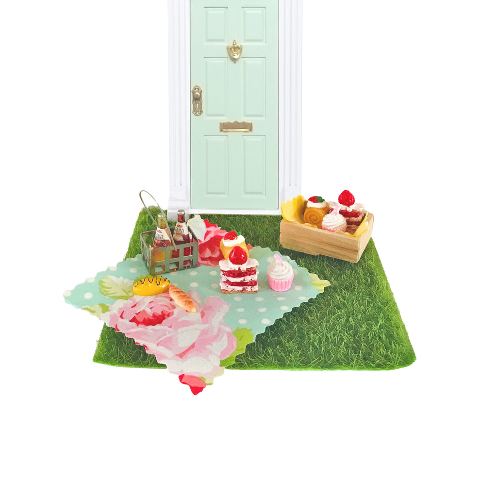 The Picnic Elf Set