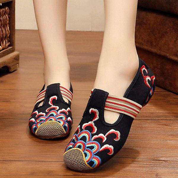 Embroidery Cloudy Hollow Out Slip On Canvas Vintage Flat Shoes