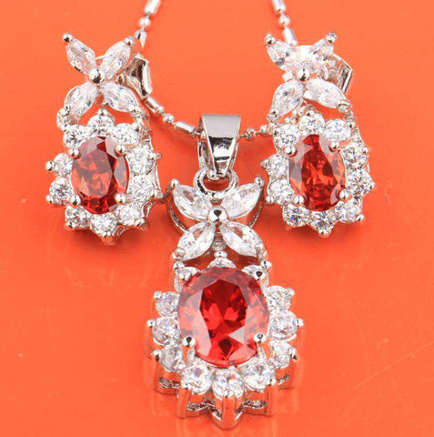 Exquisite Four Leaf Clover Red Garnet Hot White Fashion Silver Nacklace
