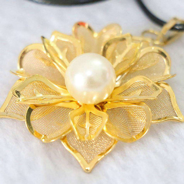 Flower Leaf Gold Plated Round Shell Beads Necklace