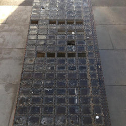 Cast iron pavement light