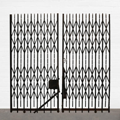 Double Concertina Gates / Lift Doors - architectural-forum