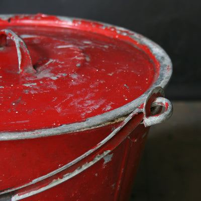 Fire bucket with lids