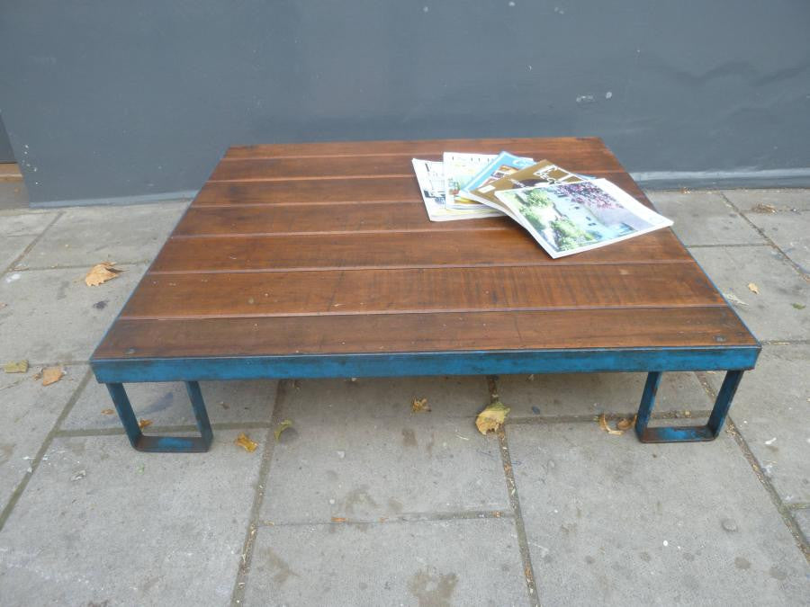 Industrial Pallet Coffee Table | The Architectural Forum