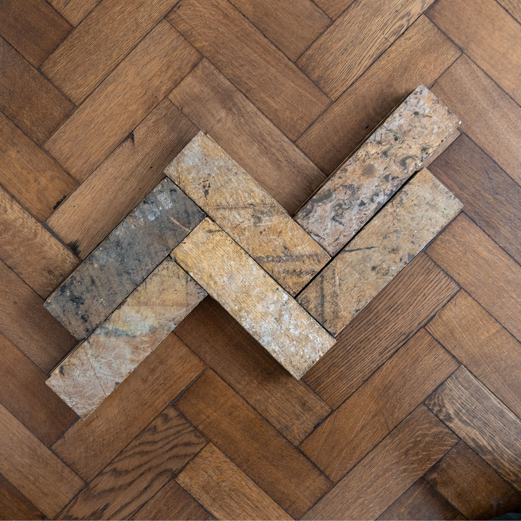 Antique Reclaimed Oak Parquet Flooring 200m² Available | The Architectural Forum