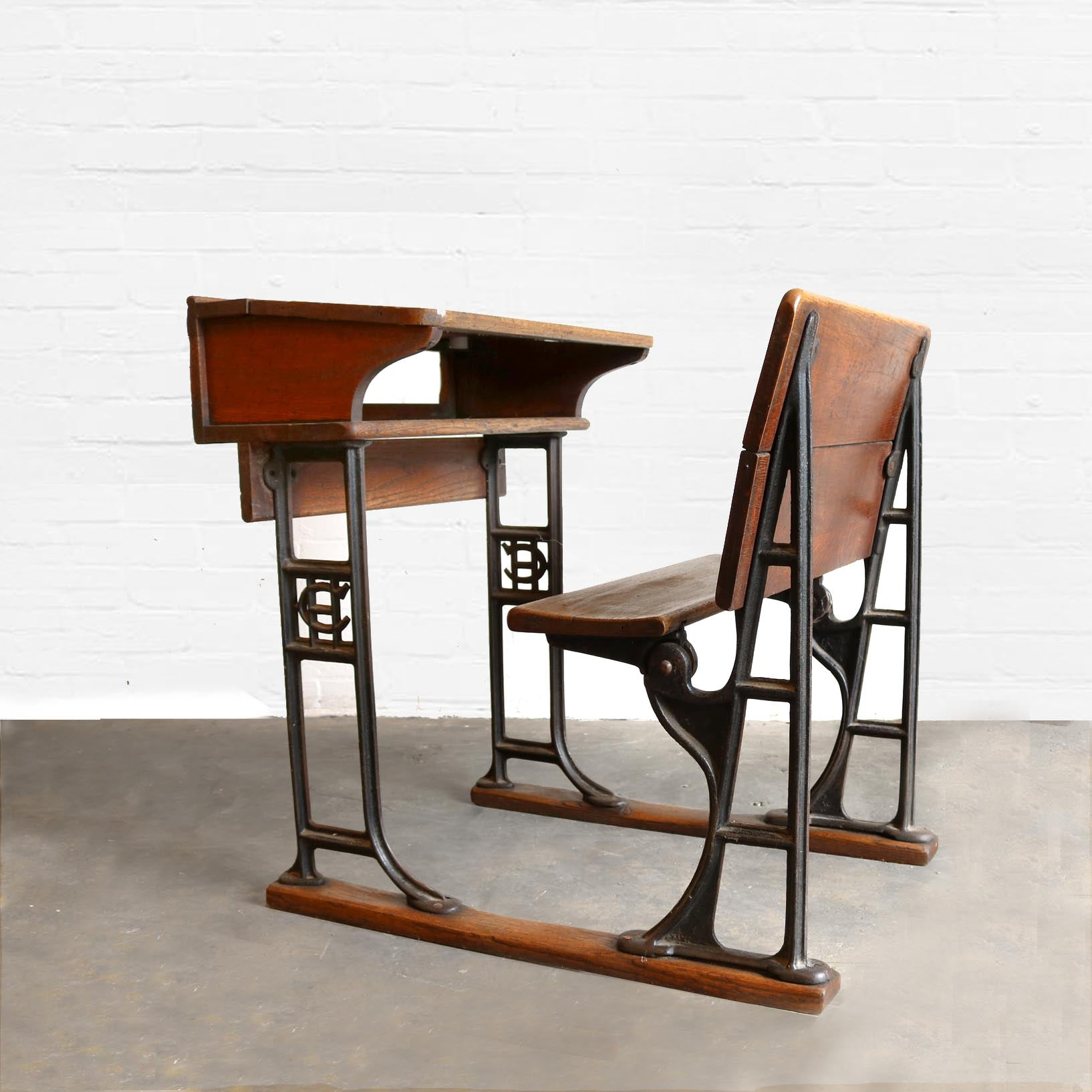 Antique Oak and Cast Iron School Desk | The Architectural Forum