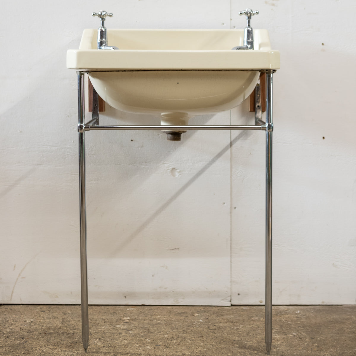 Reclaimed Twyfords Sink With Taps & Optional Legs | The Architectural Forum