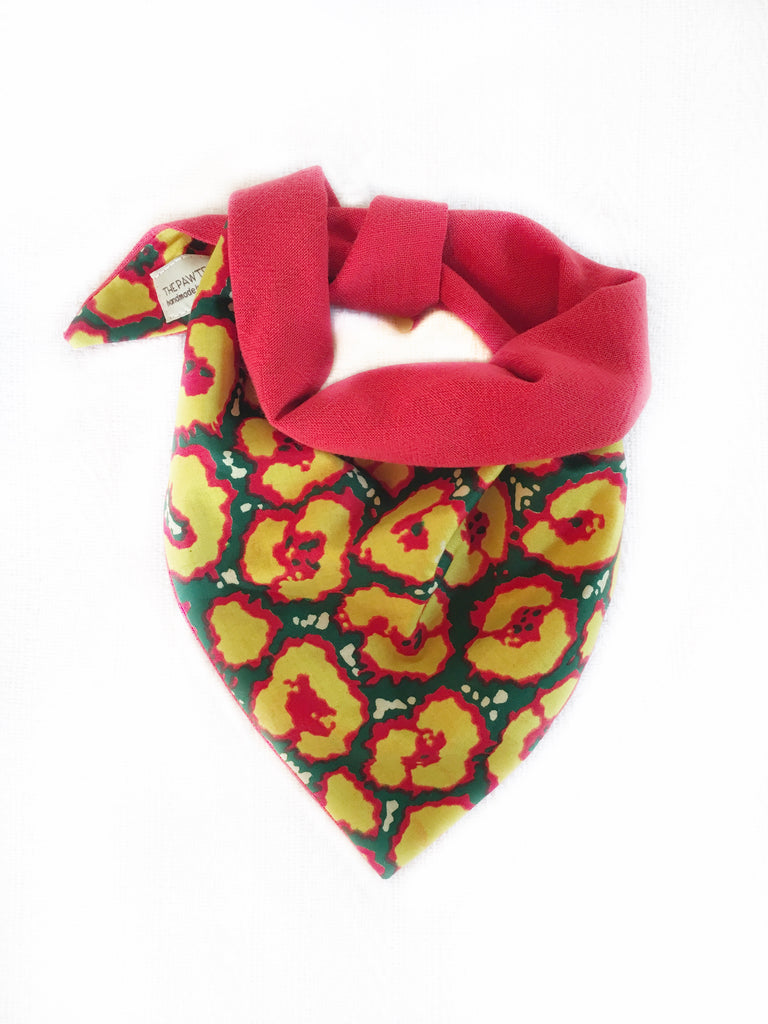 MARIGOLD REVERSIBLE TRIANGLE DOG BANDANA