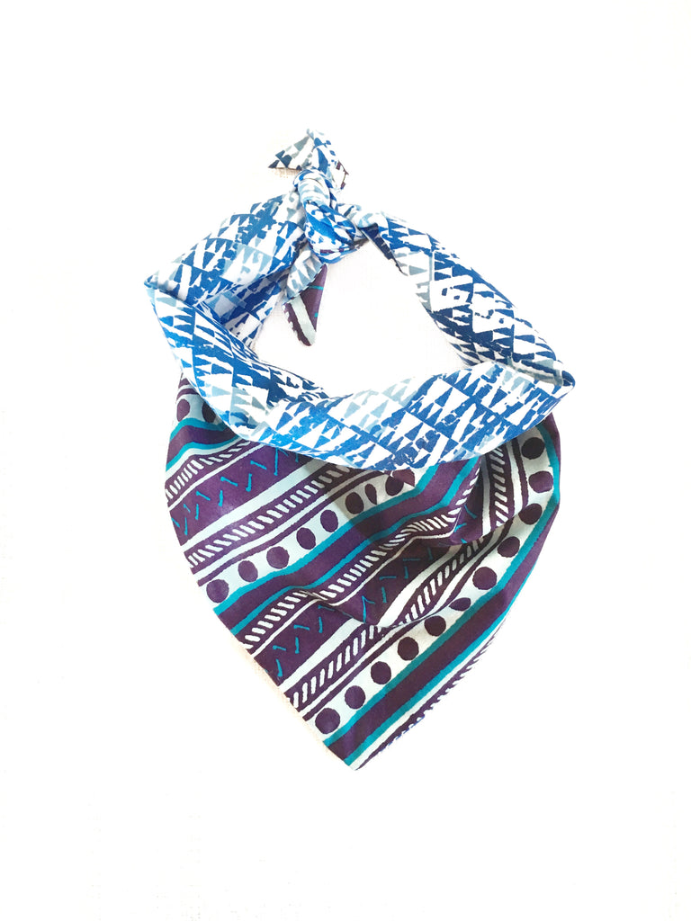 BLUEBERRY ICE REVERSIBLE TRIANGLE DOG BANDANA