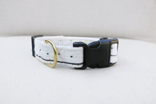 BLANC MUDCLOTH BUCKLE RELEASE COLLAR