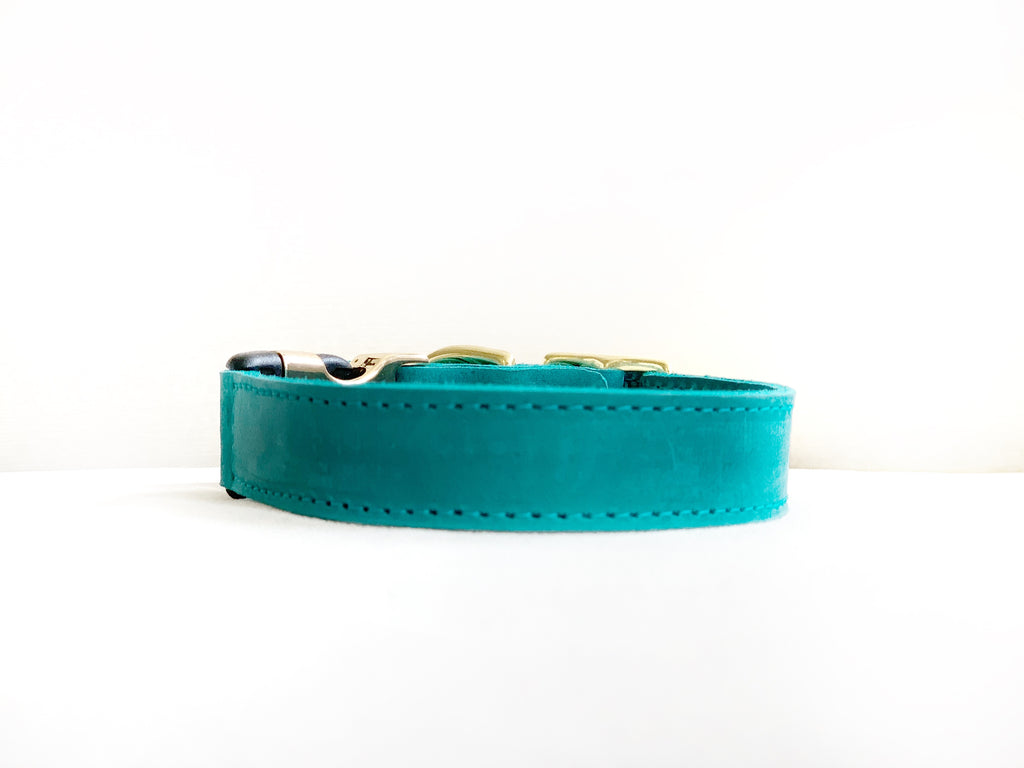 EMERALD LEATHER STYLE-RELEASE COLLAR™