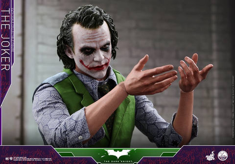 Hot toys THE DARK KNIGHT THE JOKER 1/4TH SCALE