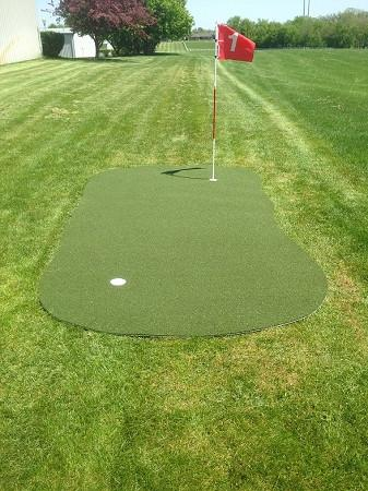 Custom Backyard Golf Putting & Chipping geen