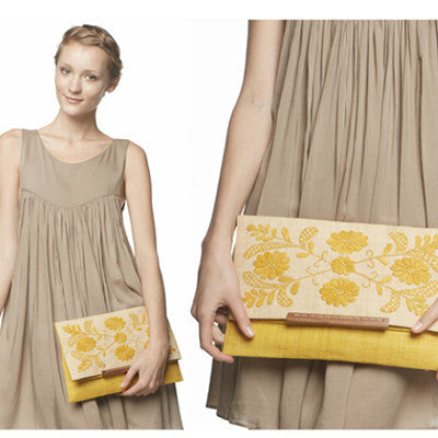 MAR Y SOL ELLISE EMBROIDERED FOLDOVER CLUTCH