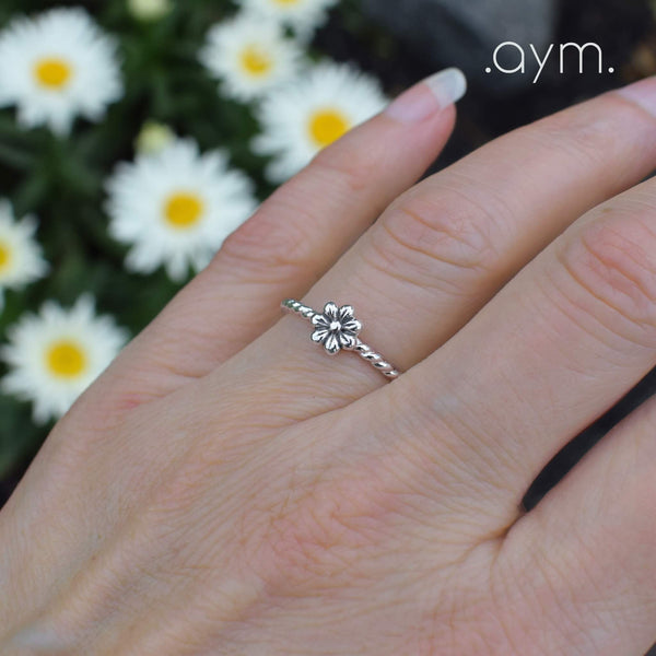 Sterling Silver Flower Ring - aymcollections