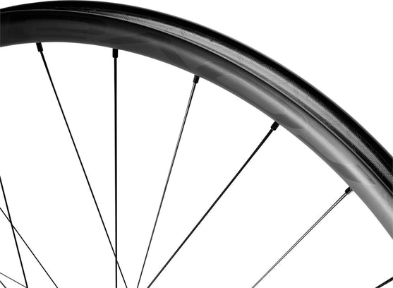 Detail of Traverse SL wheel