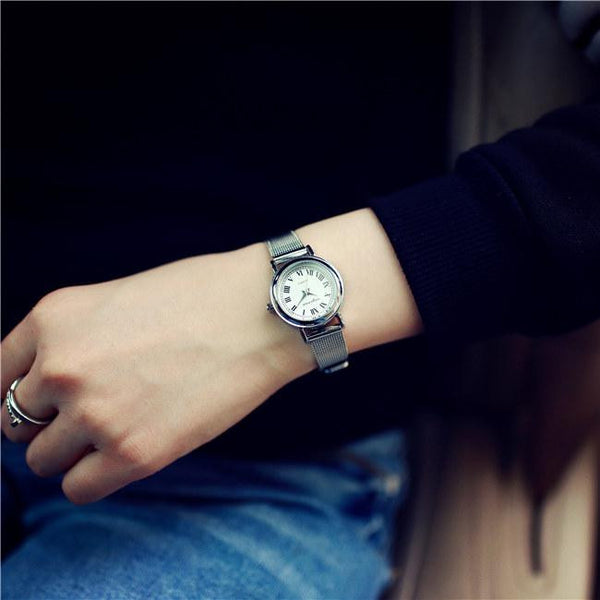 Luxury Vintage Small Rome Dial Genuine Leather Thin Strap Quartz Dress Watch Wristwatches for Women