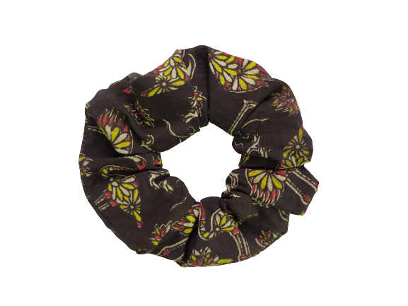 Secret Scrunchie Large-Flamingo Black