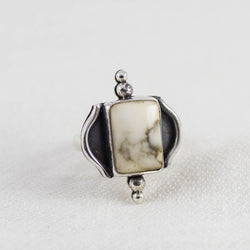 Dunes Ring ◇ White Howlite ◇ Your Size
