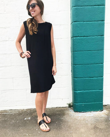 black sleeveless tshirt dress