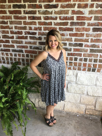 Black and White Sundress - Aunt Lillie Bells