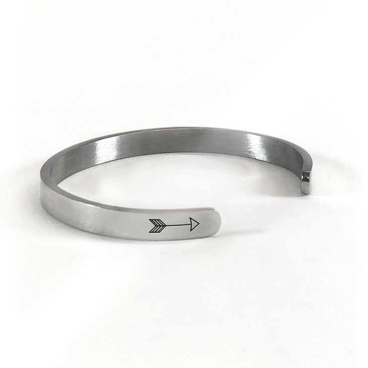 Idaho home state bracelet in silver rotated to show arrows and cuff opening