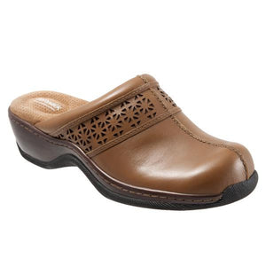 Softwalk Women's Abby Clog, Cognac Laser