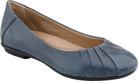 Earth Women's Bellwether Wide Flat Shoe