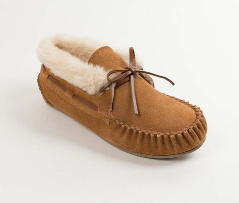 Minnetonka Women's Chrissy Shoe