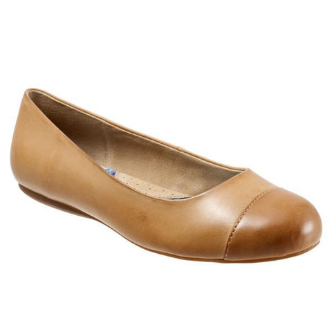 Softwalk Women's Napa Flat (Wide), Tan