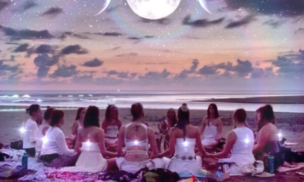 When Women Gather ~ Moon Cycle and Crystal Guide