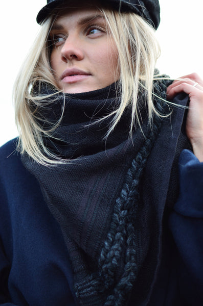 Wool scarf Midnight