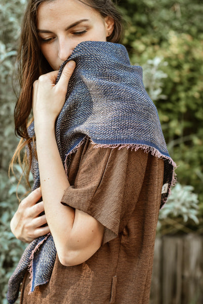 Linen scarf Space