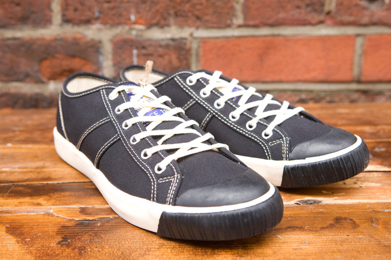 872d46eafa69 Colchester Rubber Co Low Top Sneakers Black - American Classics London
