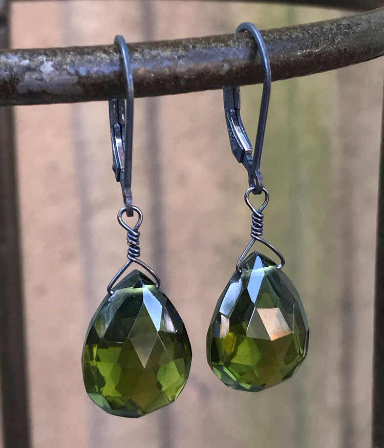 Homa Earrings (vesuvianite)