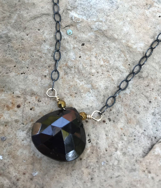 Nikki Necklace (garnet)
