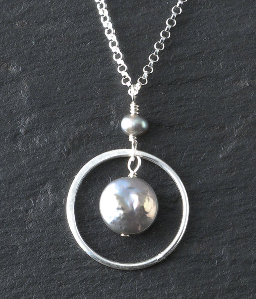 Freshwater pearl, sterling silver.   Necklace (adjustable), 16 - 18""