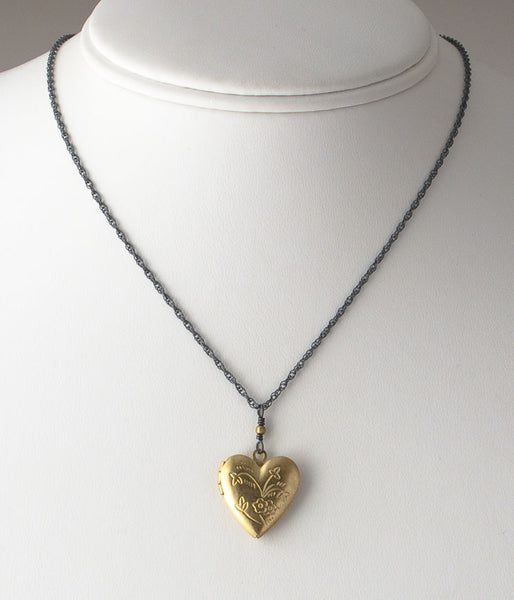 Patti Locket (flower heart)