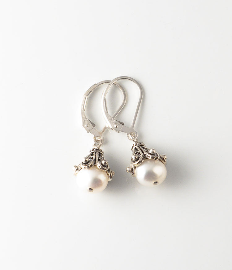 Char Earrings (white)