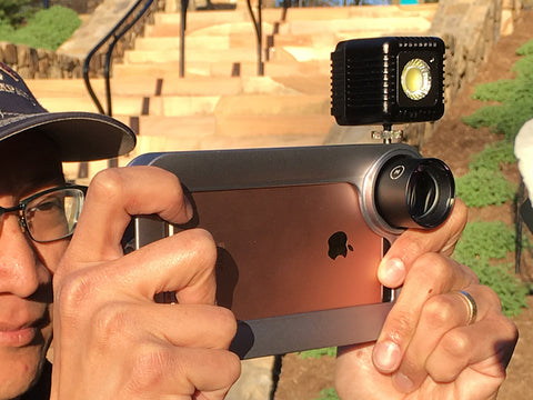 iPhoneography setup with Moment lens and Lume Cube flash