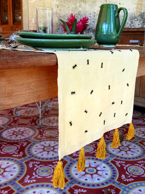 Table runner Hormigas