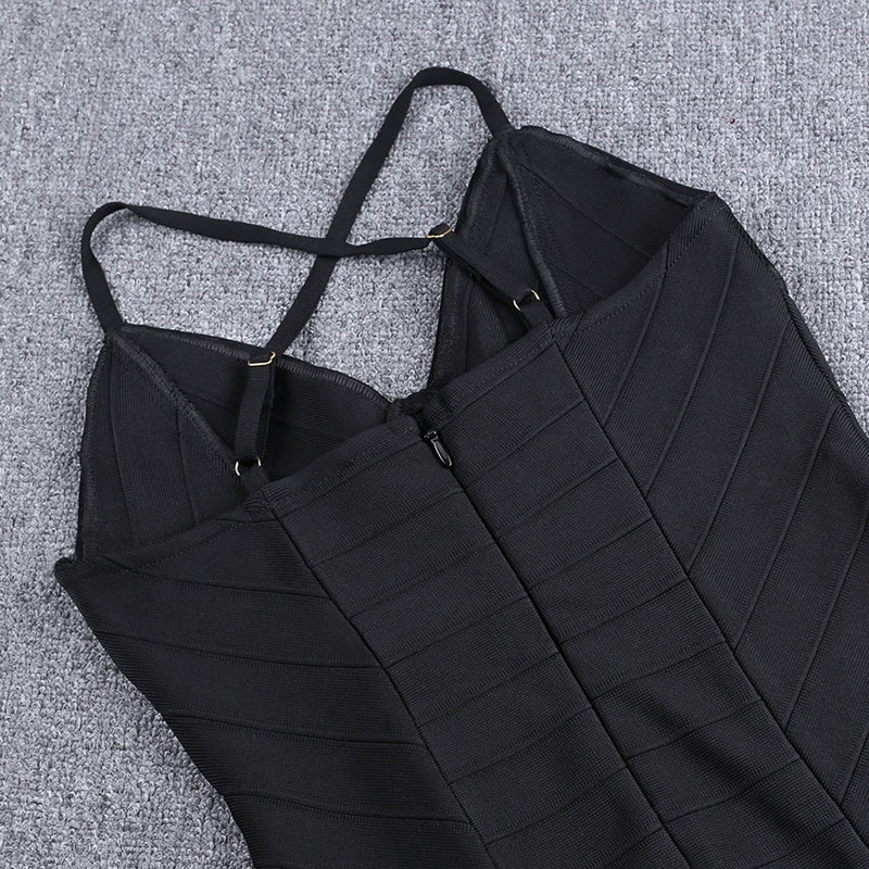 THE BASIC BLACK DRESS - Revossa