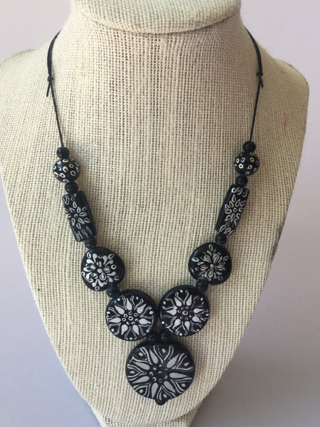 GLASS BEADS WITH WAXED COTTON CORD NECKLACE