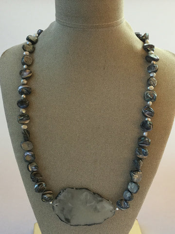 ARTISAN SNOWFLAKE OBSIDIAN CHIPS & FRESHWATER PEARL PENDANT NECKLACE