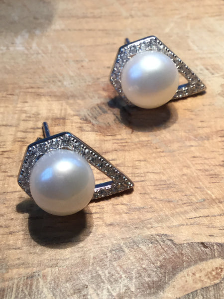 925 STERLING SILVER PUSH-BACK CZ & FRESHWATER PEARL STUDS