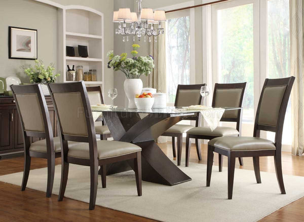 Choose the perfect dining table
